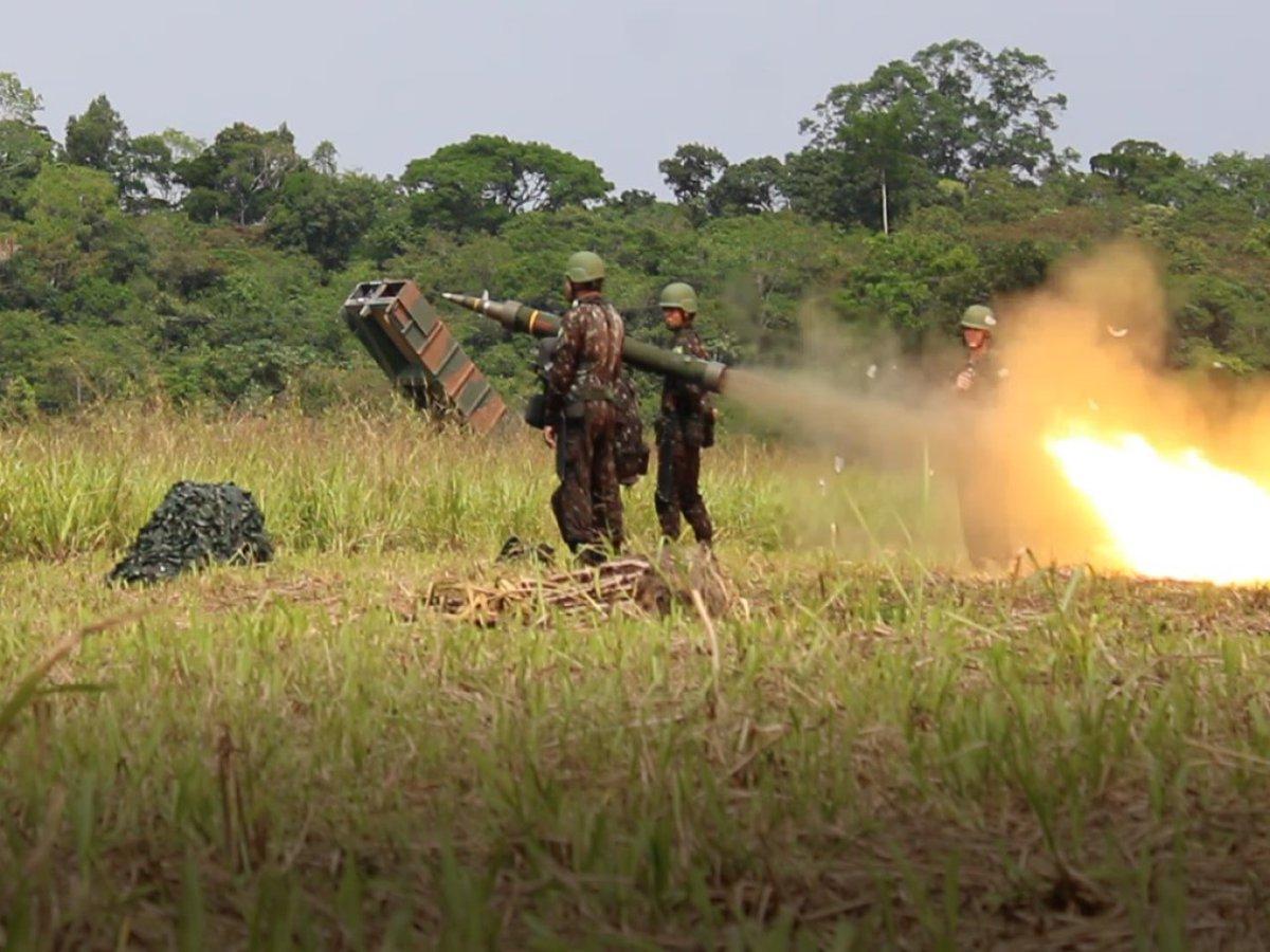 Escola de Artilharia de Costa e Antiaérea faz acompanhamento doutrinário na Operação Amazônia https://t.co/uB01a02eKK #BraçoForte #MãoAmiga https://t.co/9CE2IiWAUt