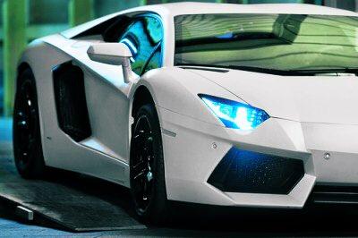 #Lamborghini #Aventador #SV Blanc Métallisé, une Somptueuse Voiture Italienne 🇮🇹 de Grand #Luxe Au #Design Envoûtant, Qui Possède un Moteur d'une #Puissance de 640CV, Capable d'Atteindre à la Vitesse de 350kmh. ★★★  #Supercars #luxurycars #lambo🐃 #LifeIsAGame https://t.co/tDzumcslVX