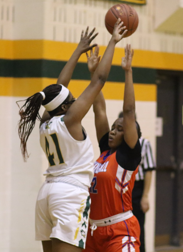 Our 2019-20 #SVGBB Defensive Player of the Year Award goes to Brianna Dorsey. Not a single shot goes uncontested with Dorsey in the game. Great on both ends she makes her presence known defensively. #Seniorszn has come! Come join the SVGBB family! #BlockParty #Congrats #svhs #fam https://t.co/tl1ZqLNNIe