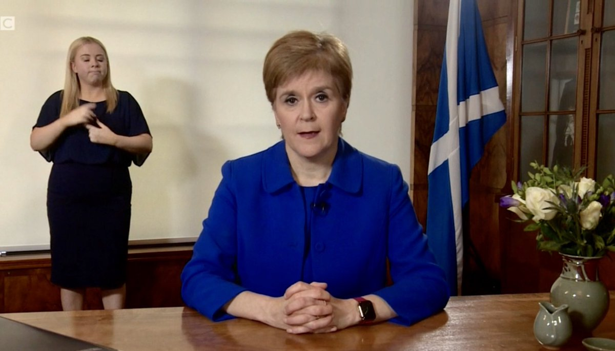 """""""It is so important to keep going, keep smiling and keep hoping. Be strong, be kind and let's continue to act out of love and solidarity for one another"""": @NicolaSturgeon #Covid_19 https://t.co/Zijl4kN1zb"""
