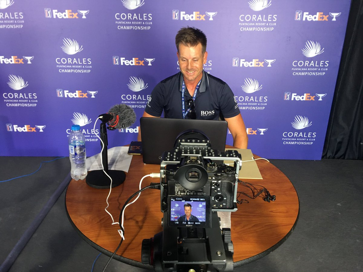 2013 #FedExCup champion @henrikstenson visits with media before going to check out the Corales Course at the @CoralesChamp for the first time. This is his first trip to the Dominican Republic 🇩🇴 https://t.co/eNKtjj4V2F