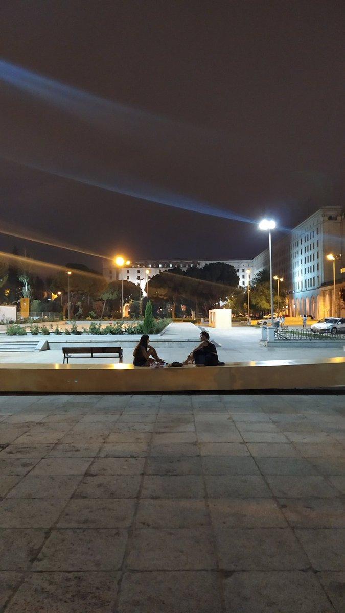 Banquín de noche en Nuevos Ministerios #Madrid   📸 @laurayrazusta https://t.co/sVzGF6ZKKl