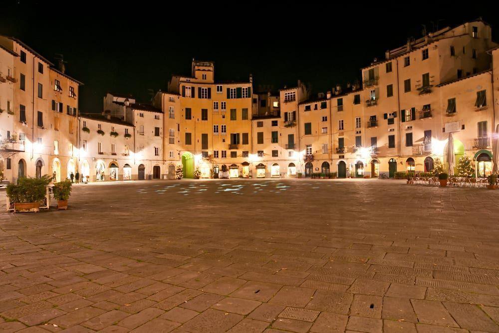 Visiting Lucca, a Tuscan Hidden Gem https://t.co/19RzZeAg9q via @Walks #takewalks #visittuscany https://t.co/GIrH0igQ9P