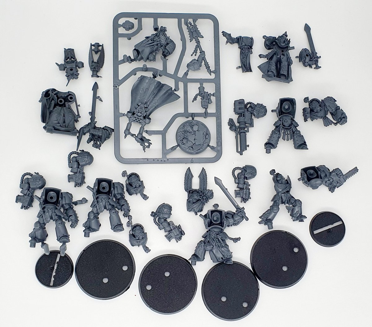 SURPRISE GIVEAWAY!!! Figured I would give back to this amazing Community! 💜💜💜 Dark Angels Units! RETWEET & COMMENT to enter! Ends 26th September! Open Worldwide! 💜💜💜 Love you all!  #WarhammerCommunity #warhammer40k #New40K #warhammer40000 #warmongers #warmaidens #Grimdark https://t.co/T5xg8u2gk8