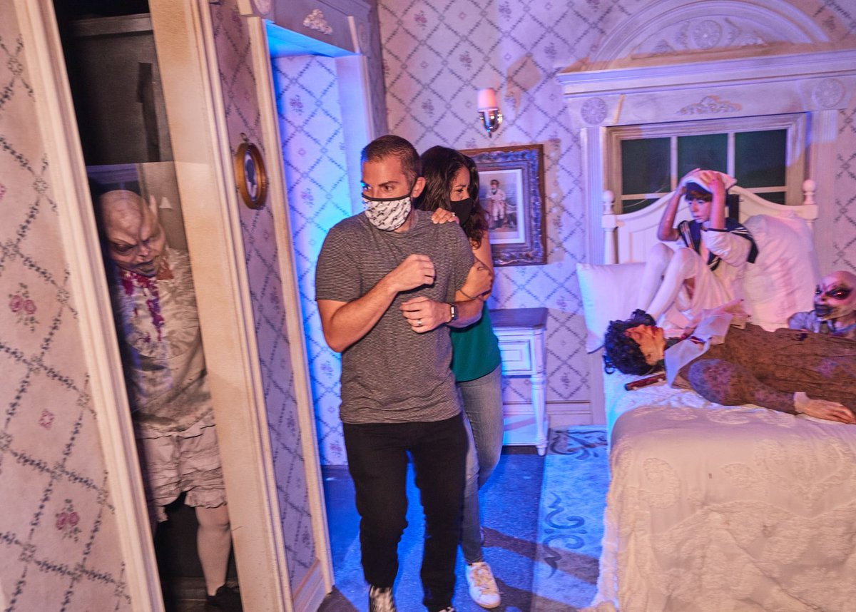 Universal Orlando has released pictures from inside the Revenge of the Tooth Fairy haunted house, which will be open again this weekend. The photos show how certain safety measures have been implemented in the houses such as plexiglass between visitors and scare actors. https://t.co/fHm4SMa3em