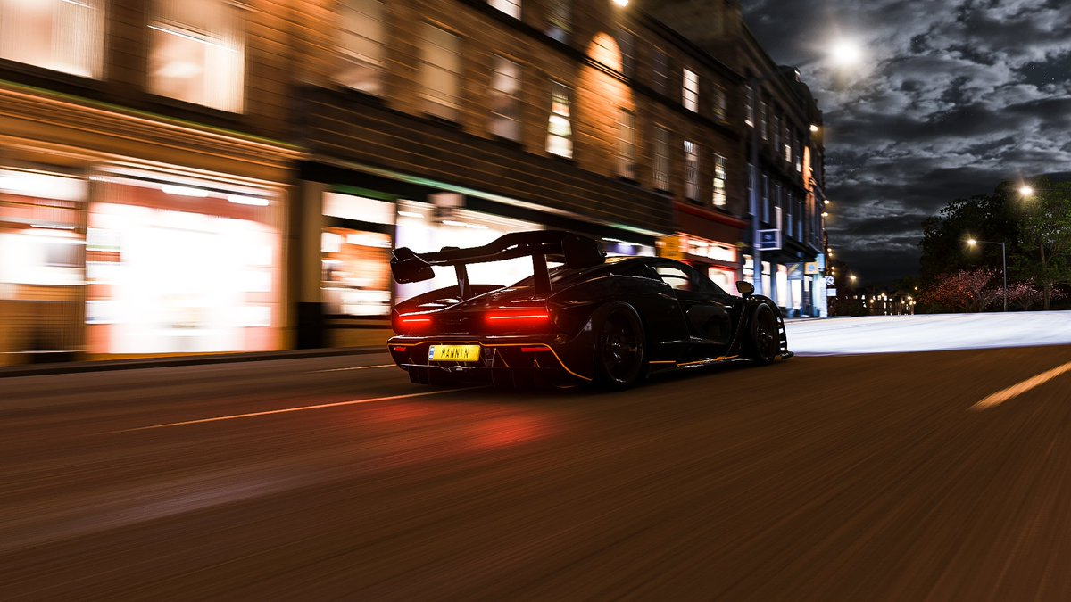 My ABSOLUTE favourite photo!  I'm a big fan of McLaren Formula one team🧡🧡🧡🧡🧡🧡  #McLarensenna #McLaren @ForzaHorizon @Turn10Studios @WeArePlayground #VirtualPhotography #photomode #thephotomode #ThePhotoHour #VGPUnite #forzahorizon4 #forza  @Clebrun993 @stylepointsclub https://t.co/5lK4wAd6bc