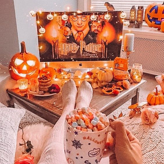 October is round the corner, who's ready for cosy season?  🎃🌳✨ #missguided https://t.co/YZptjWm7Qj