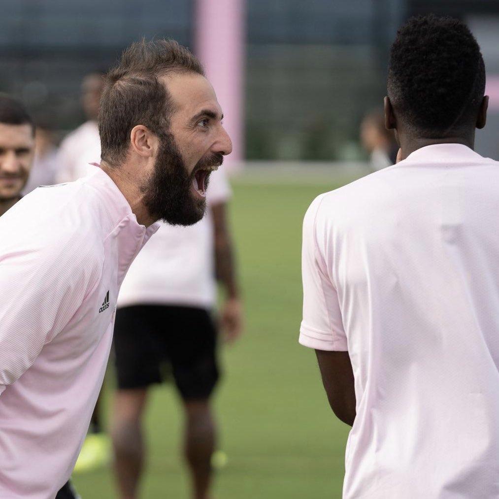 Gonzaloco ❤️ Welcome to Miami bro @G_Higuain https://t.co/RRzPFfmqAc