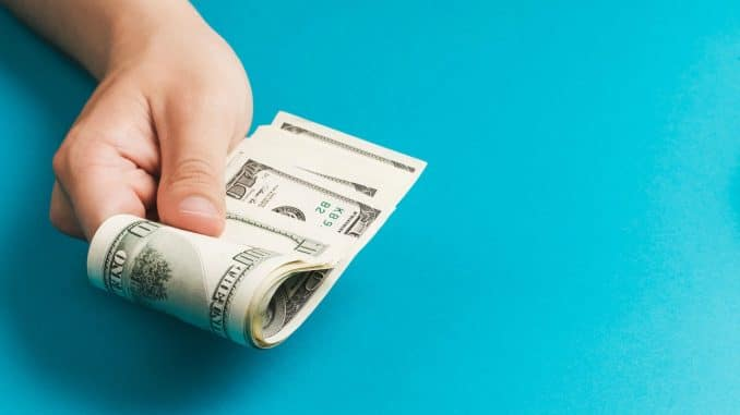 Remesas se reducirán hasta en 100.000 millones de dólares, concluyó informe económico de la ONU https://t.co/lnHBCXW9og (Vía @descifradocom) https://t.co/JwMZ52op7L