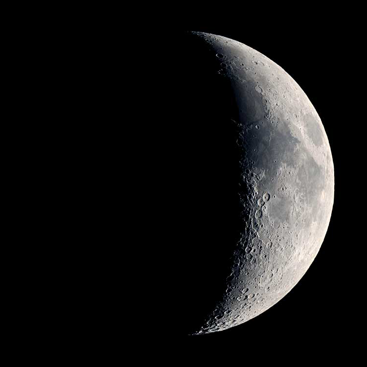Moon phase for Sep 22 is First Quarter #moonphase #moon #lunar https://t.co/nLheuXVgZH https://t.co/yvESwj5eJK