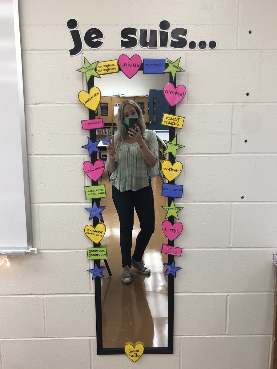 This year I created a positive affirmation station to remind students how amazing they are when they look in the mirror!  Students have also used these French vocabulary words in their writing. @ChebuctoH #teacherlife2020 https://t.co/K0dKGGPYGr