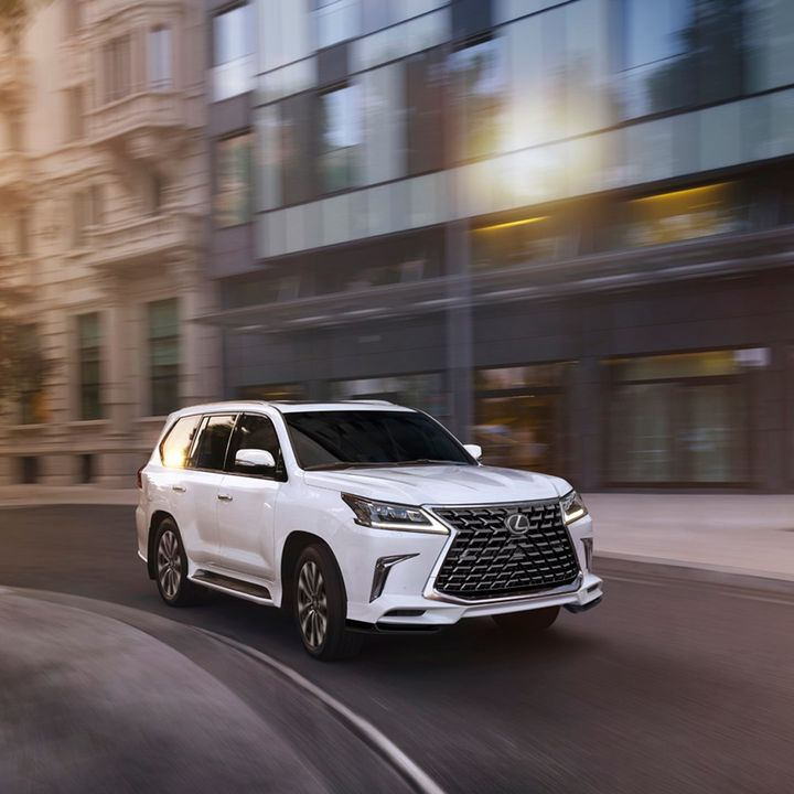 Black chrome grille, smoked headlights, and black 21-inch wheels. The 2021 LX Inspiration Series commands attention on every terrain. Learn more about the 2021 #LexusLX 570 and LX Inspiration Series: https://t.co/CdiIkoYzV2 https://t.co/8iMmtedeaP
