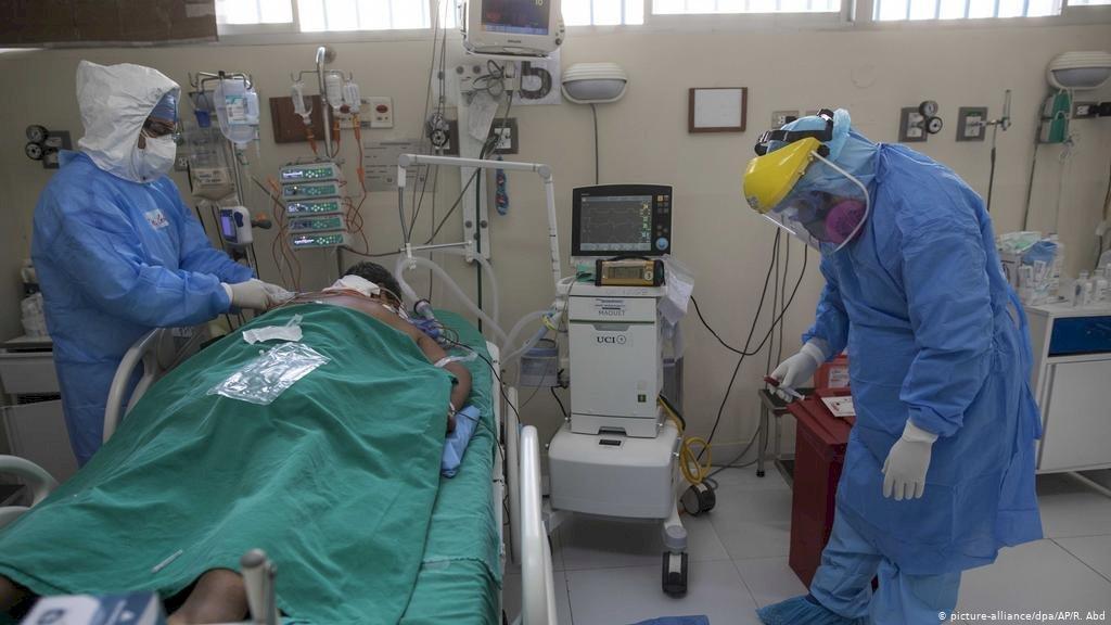 😷⚠️ #LaPlata   #Berisso   #Ensenada   #Coronavirus    La Región lamentó 13 nuevas muertes a causa de la pandemia  En La Plata ya son 13.677 positivos y 307 las víctimas fatales. En Berisso falleció una mujer de 78 años, y en Ensenada un hombre de 76.  https://t.co/La9mXoVn40 https://t.co/QsoMASLi1f