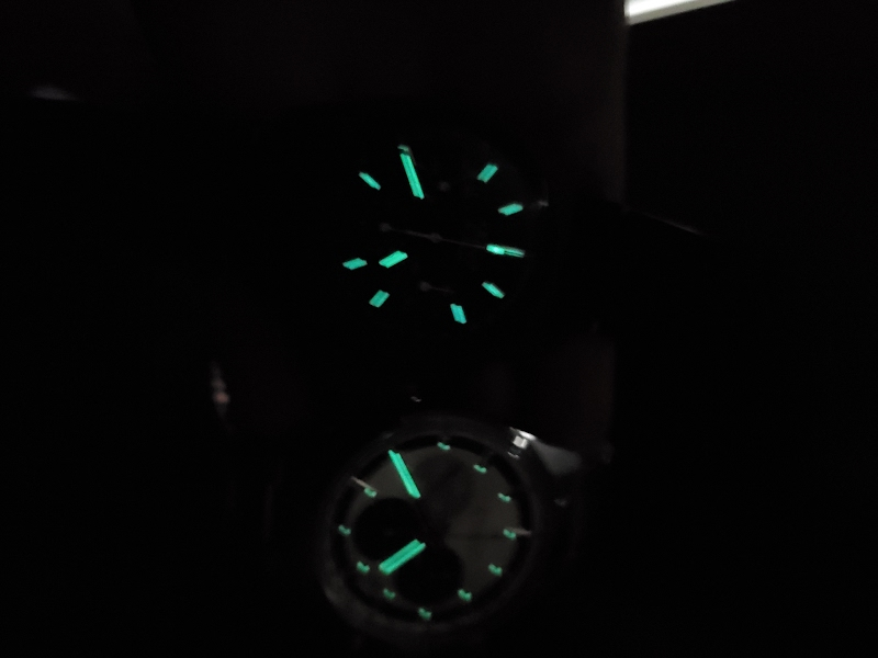 Playing with the lume of the Revival Shadow and the Chronomaster 38mm.  Not too bright https://t.co/G7t16uwja4 https://t.co/wXXbjzuvmT