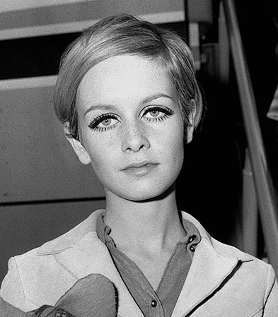 I did some #Twiggy inspired makeup yesterday! #makeuplooks https://t.co/2ut4sp7Sar