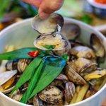 Live catch of the day!  West coast clams, coconut milk, lemongrass, Vietnamese mint, bird's eye chilli. #glutenfriendly #clams #shellfish #vietnamesefare #anhandchi #mainstreet #familystyle #sharingplates #vancouver #fresh #local #mustrry