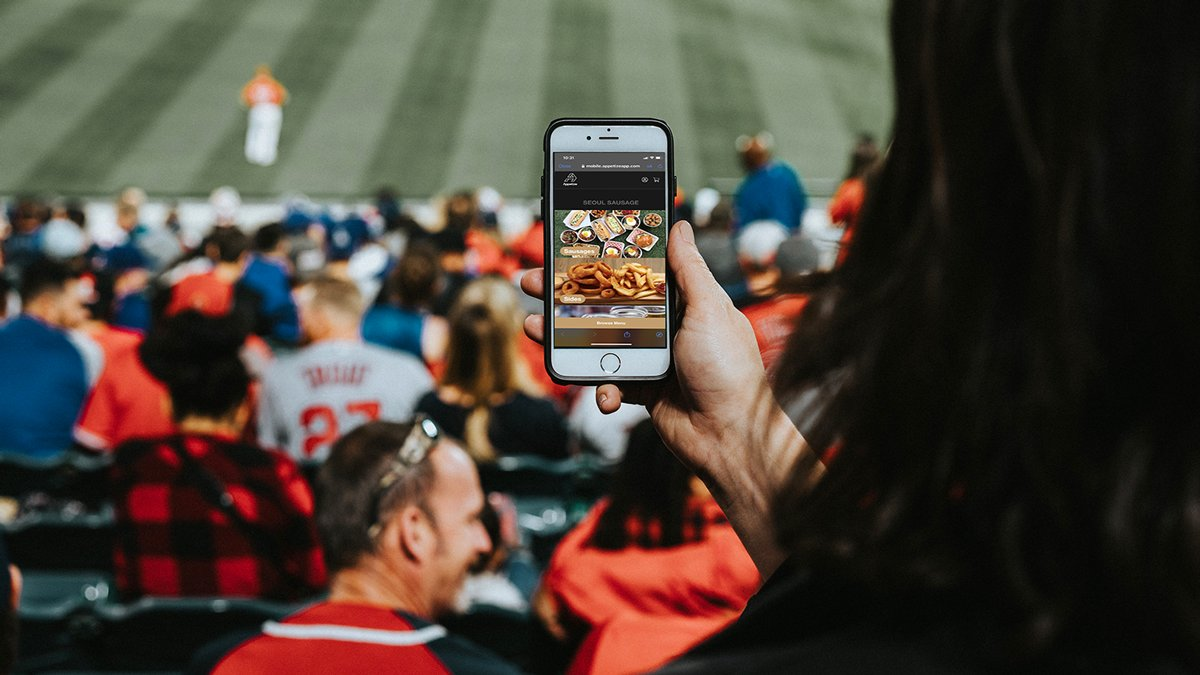 Innovative operations directors are utilizing forward-thinking food and beverage ordering solutions. Here's how to execute your plan.  ➡️4 Things Every Sports Venue Should Be Doing to Facilitate the New Fan Experience   ⚡️ @AppetizePOS: https://t.co/VPhETy1E1P https://t.co/AZErh3lByI