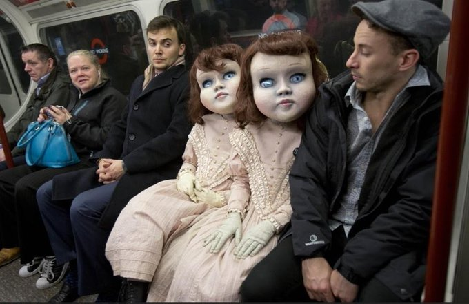 TWIN DOLLS Life-sized Victorian twin dolls creep out tube travellers in London in 2019 (c/o Darren Brown) #GothicAesthetics #WyrdWednesday @OGOMProject https://t.co/8pvWTzI6BI
