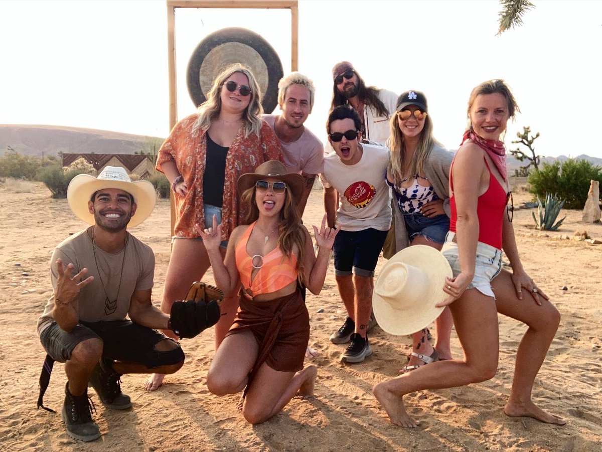 Had an amazing #dirty30 & best desert trip of my life!!! Saw the craziest shooting stars I ever laid eyes on and laughed obnoxiously for 3 days straight. It don't get much better. I am so grateful for this abundant life that the universe and I have conspired. 🔮 thanks for all 💞 https://t.co/BDm2weSo0B