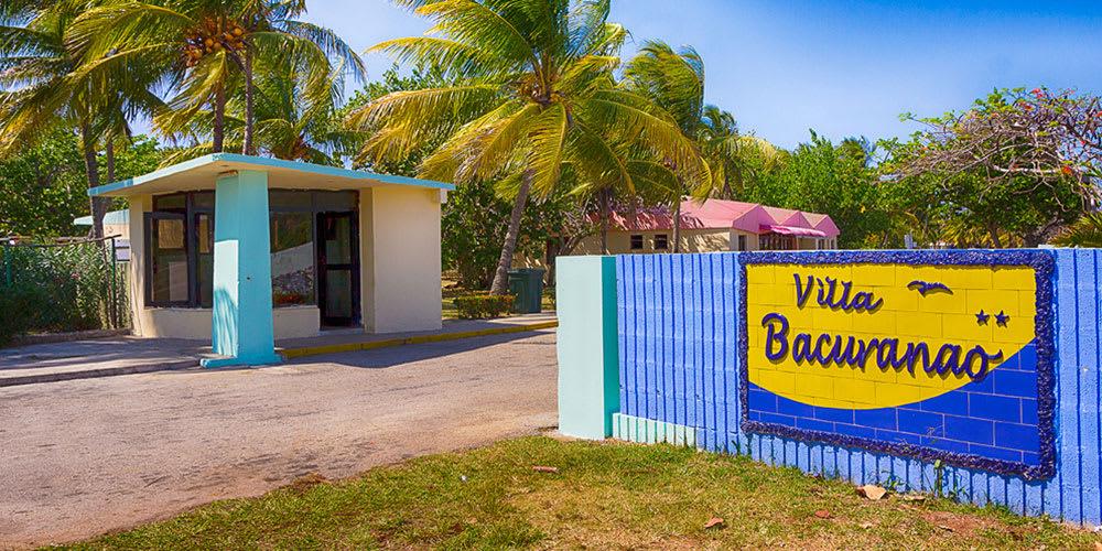 El CDP @gobhabana, el @InderCuba y la cadena @IslazulHoteles acordaron que la capital acogerá a partir del 28 de sept, el hospedaje de 5 equipos de la #60SNB. En Villa Bacuranao estarán siempre #IND y #MAY y en la Villa Panamericana se alojarán los visitantes de ART, MAY e IND. https://t.co/0cuLhLmsPE