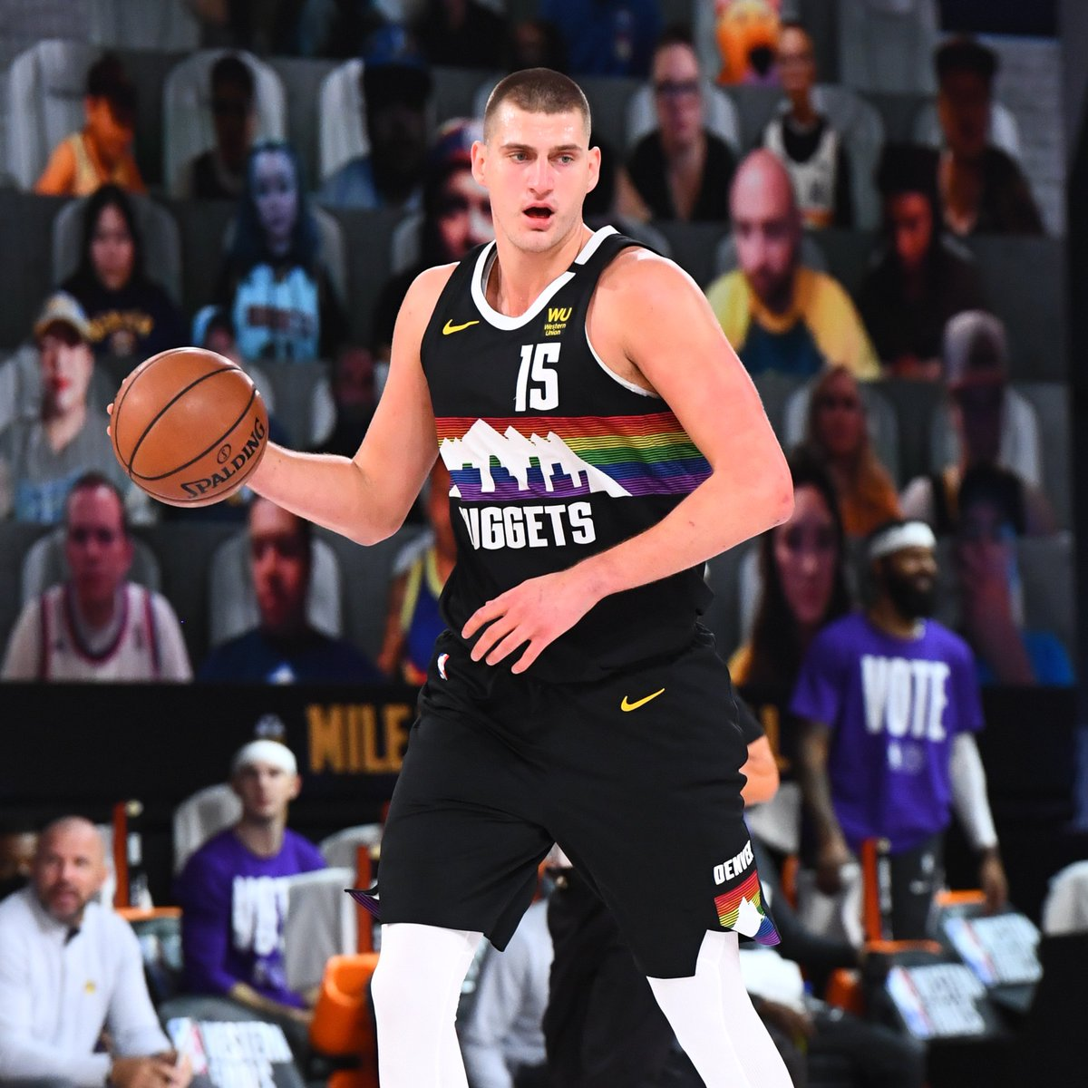 Game 3, through 1Q on TNT:  @nuggets 29 @Lakers 27  Nikola Jokic: 11 PTS, 4 REB LeBron James: 6 PTS, 5 AST https://t.co/L9bK8r4ckN