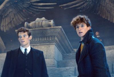 【ついに】『ファンタビ』第3弾が撮影開始、エディ・レッドメインが明かす第3弾ではホグワーツやダンブルドアのシーンも増えるとみられる。現時点での全米公開は2021年11月12日の予定。