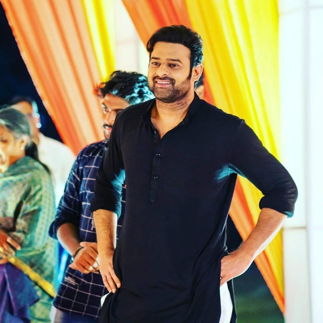 My presence here only 2 praise U  My presence only 2 defend U  My presence only 2 promote ur movies  My presence only 2participate in trends  My presence only to inspire n learn many things from you🤗  Beyond dat everything is scrap nd heaps of garbage here🤧 #prabhas anna 🙏😘🙏 https://t.co/RJohmNWzzU