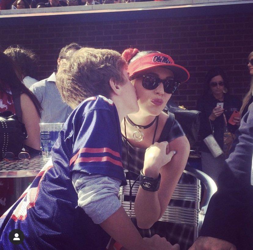 @OleMissSports @OleMissAlumni Kissing Katy Perry when olemiss beat bama in Vaught https://t.co/xxD5qjGlPJ