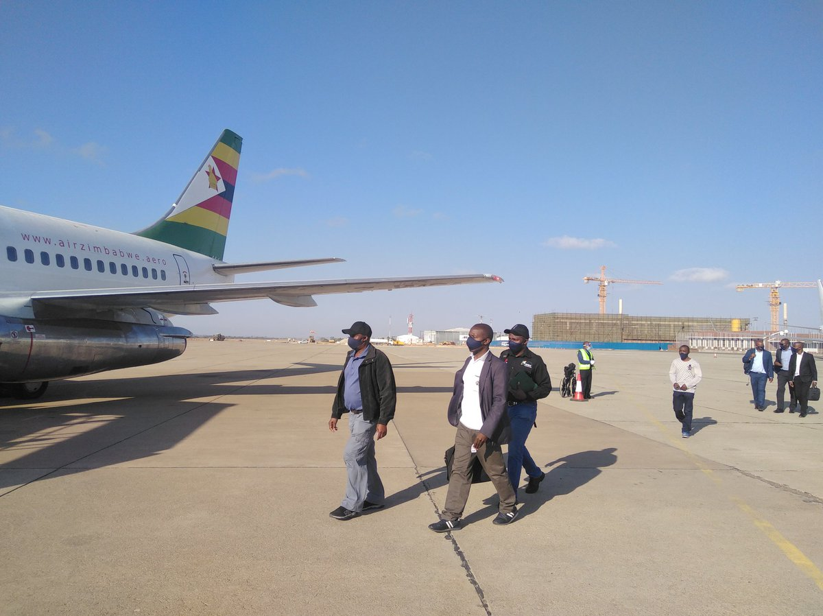 Air Zimbabwe resumes domestic flights following the ease of Covid-19 restrictions.The airline's last flight was on March 28. https://t.co/ENsfMWtE4O