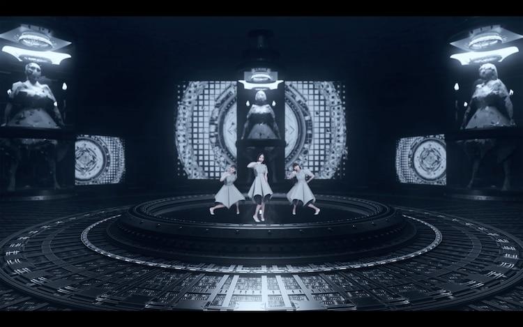 【ライブレポート】Perfumeオンラインフェスで圧倒的バーチャルパフォーマンス、中止になった東京ドームに決着付ける(写真12枚)