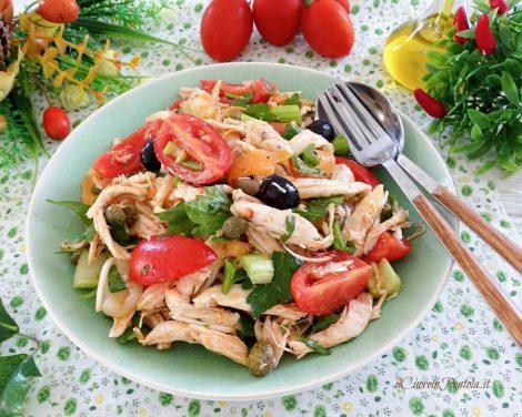 Insalata di pollo light, la ricetta svuota frigo per restare in forma - https://t.co/rlLwkpQgrG #blogsicilianotizie