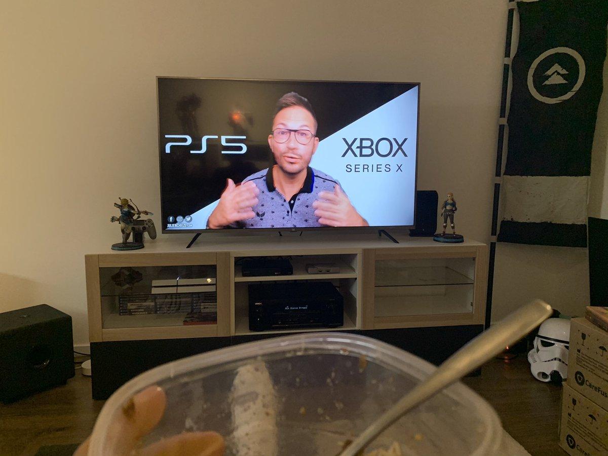 C'est l'heure de la pause et des news #JV avec @JulienChieze ^^ #videogame #jeuxvideo #ps5 #PlayStation5 #XboxSeriesX #XboxSeriesS https://t.co/LEx5BDyt1j