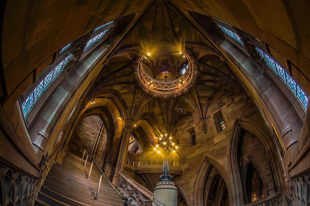 @WhitworthArt 📚 Although currently closed to the public, @TheJohnRylands is the most remarkable university special collections library in the world. Everyone is welcome to study, research the collection and participate in events.  📸 taken by Joshua Griffiths https://t.co/qPkhtcOXAn