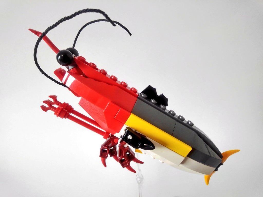 #LEGO で作った #海老ブリ ちゃんです🦐🐟  正面からの顔が意外と可愛い^^ 10/17(土)の #海老名 #レゴ 作品展示会に持っていきますー https://t.co/uKFiXp77Qn