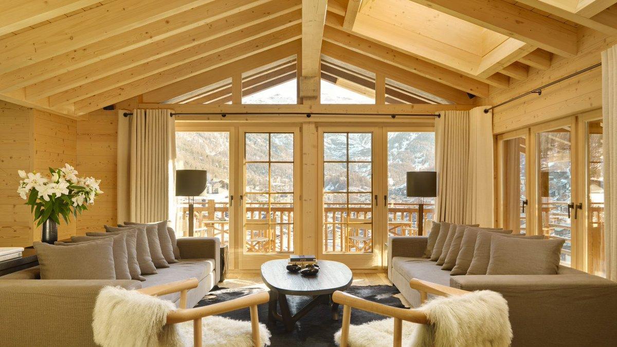 Light, Space And Comfort Switzerland, Zermatt 📍🇨🇭 #zermatt  . . . #zermattmatterhorn #chalet #zermattswitzerland #luxurychalet #chaletrental @i_k_h_villas