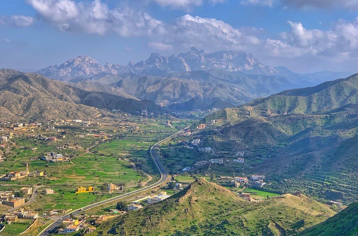 @UKinSaudiArabia @UKAmbKSA @Saudi_MT I advise you to vist the whight mountain(Batharah mountain) southern Taif city https://t.co/3YX8dWLQUf