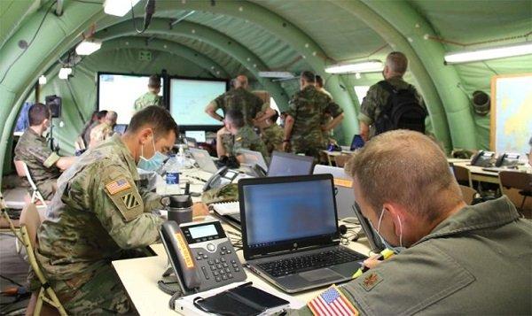#BuenosDías desde #Bétera, donde el Cuartel General de la @NATO se pone a prueba en el ejercicio 'Deployex' II/20, en el que participan 11 naciones aliadas.  ➡️ https://t.co/ySdLcC4RXT https://t.co/Esa2PlqMdp
