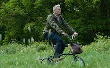 Proyecto de los Ferrocarriles Suizos de la movilidad combinada de tren y bicicleta plegable https://t.co/oCNkkwqAco @sbbnews #Faltradplus #LiberoCFF #MovilidadCombinada #Tren #bicicletas @viasverdes_ffe @mitmagob @Renfe @mitecogob https://t.co/EIm7avEVNy