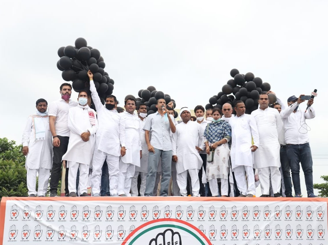 Haryana has come together in protest against the anti farmer bills in a monumental Kisan tractor rally. Indias farmers and youth need your support. Rise up for your country. #IndiaDoesntTrustModi