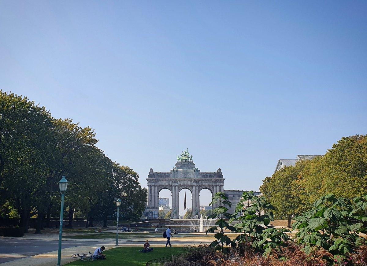 Cinquantenaire Park, (almost) in autumn colors. ❤ https://t.co/RPMsch2SqV