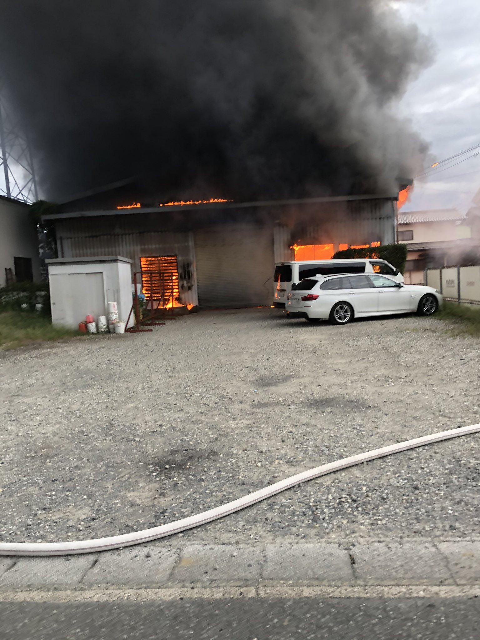 長野市青木島町綱島で大きな火事が起きている画像