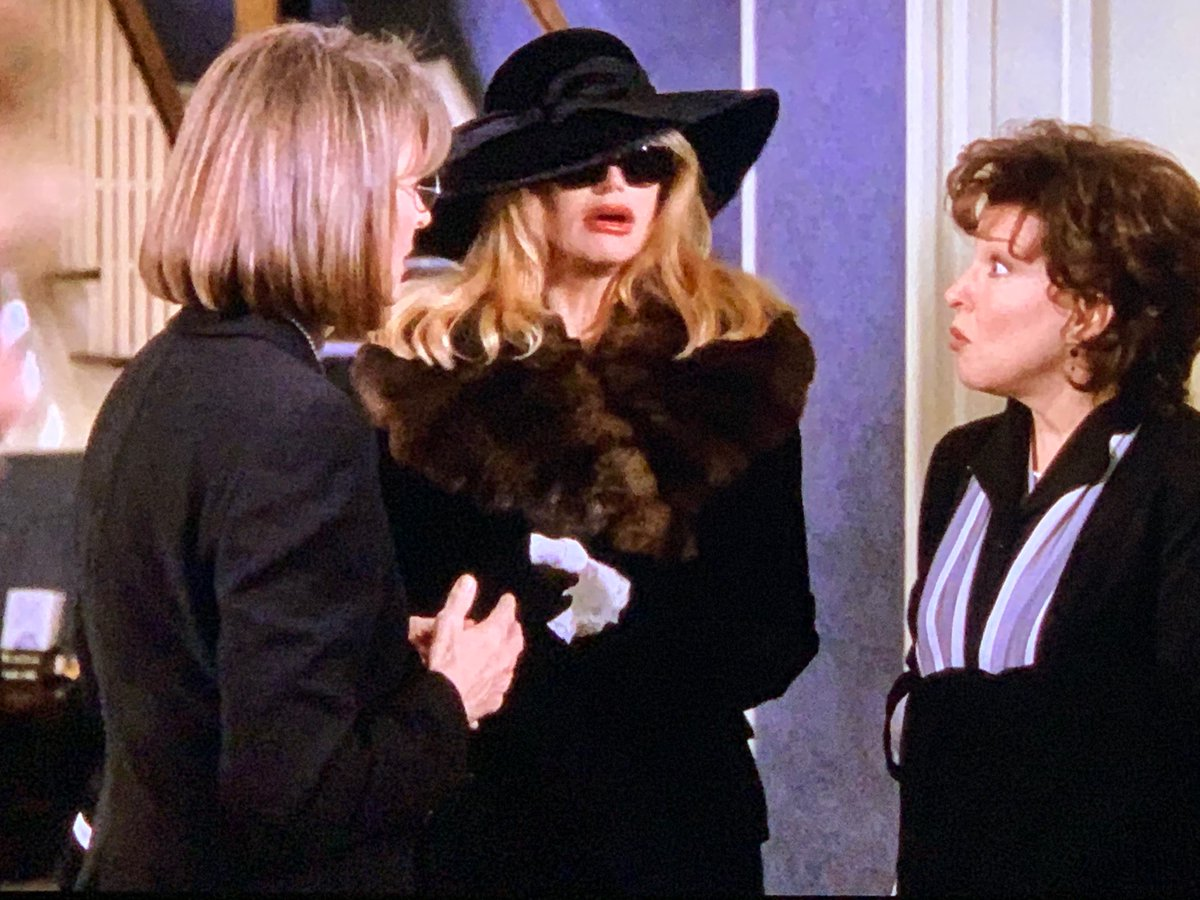 Can't sleep sooooo I'm watching one of my favorite films 🎞.  Cracks me up😄😃🤣😂 every time I watch it ... just like first time: #TheFirstWivesClub https://t.co/g2X9HmdtOi