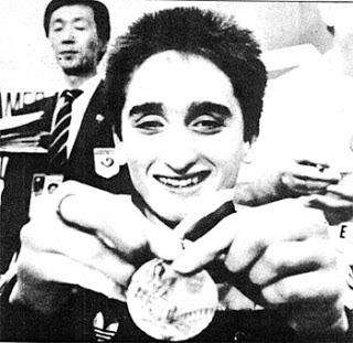 Artículo actualizado y  ampliado. Efeméride: 23/09/88 Sergi Lopez sube al pódium en Seul'88: Brazadas de bronce https://t.co/KYfrWCbvIY #Olympics #Natación https://t.co/NoMDCaI7R8
