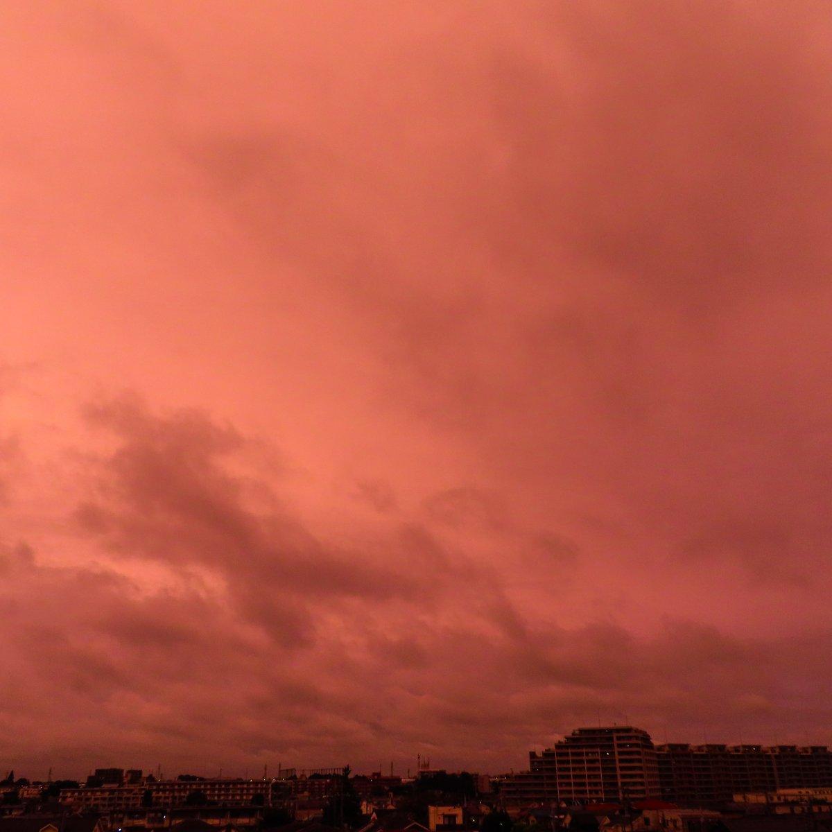 #evening #glow #sky #cloud https://t.co/rQbWybLzpm