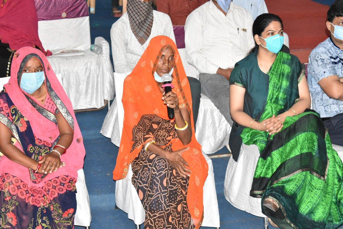 खुशियों की दास्तां लीला एवं श्यामू बाई के लिए संबल योजना बनी जीवन सहारा l  मुख्यमंत्री श्री चौहान ने दोनों से की लाइव चर्चा l  #Sambal https://t.co/Nm8FiQnupc