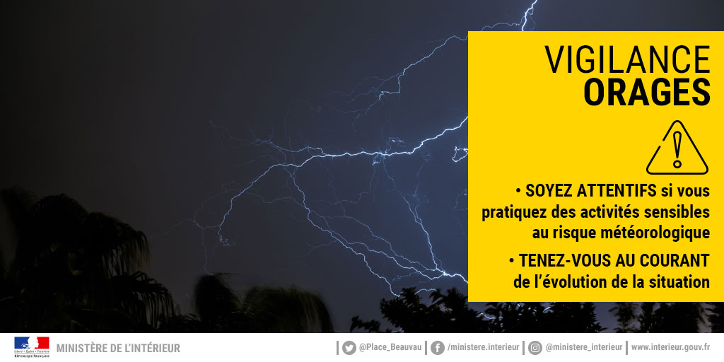 #Vigilance #Orages #Inondation   ⚠️ Le département du Pas-de-Calais est placé, ce jour, en vigilance Jaune :  Orages : de 15h00 à 23h00 Pluie - Inondation : de minuit à 6h00 (minimum).  #RestezPrudents https://t.co/5NkjmBwjuq