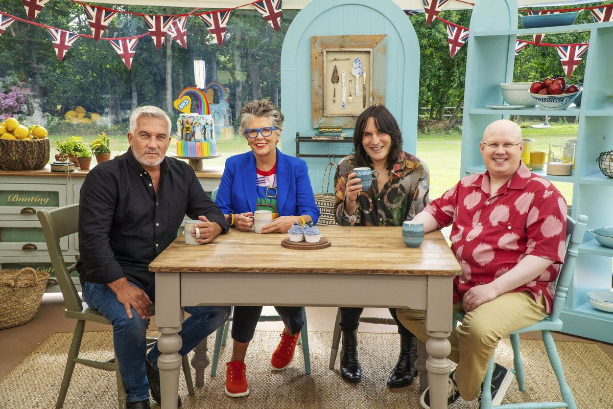 The return of the Great British Bake Off on Channel 4 was watched by 6.94 million viewers according to overnight figures  Up from last year's launch which had an overnight figure of 5.69 million (it went on to achieve a 28 day figure including catch up of 10.03 million) https://t.co/X1jZ0fowLv