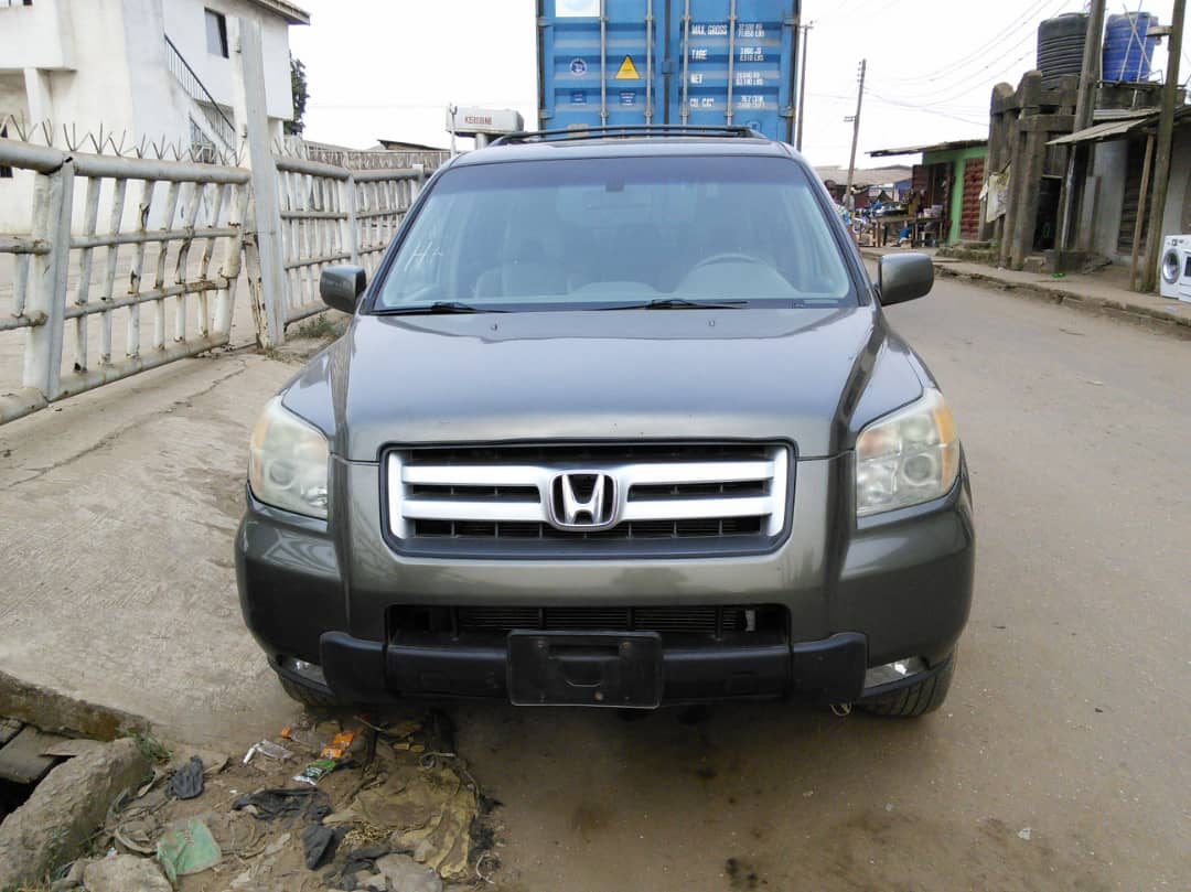 2006 Honda Pilot for Sale. Leather seat Smooth ride. Lagos Lagos Cleared @CarDealerBot @SyntacleNig #WednesdayThoughts @bustopsng @Gidi_Traffic #COVID19