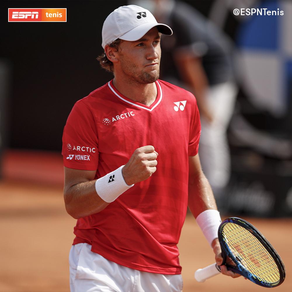 ESPNtenis: El semifinalista de Roma Casper Ruud avanzó a la segunda ronda del ATP 500 de #Hamburgo tras el abandono de Benoit Paire. El noruego, que vencía 6-4 y 2-0 al francés, enfrentará a Fognini. 🎾  #TENISxESPN https://t.co/Q4VBj6Ri13