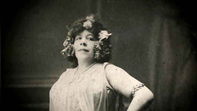 🎶Aquest vespre recuperem i estrenem una obra de la compositora Amanda Ira Aldridge: 'Tres danses àrabs' (1919). D'origen afroamericà i suec, aquesta cantant d'òpera anglesa, professora i compositora es va donar a conèixer com a Montague Ring.  📲 https://t.co/rdiRwgmvgu https://t.co/grxGSl8KPY